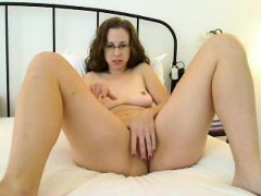 blonde Playing with my Creampie camgirl888.com