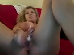 Thick MILF With An Amazing Ass